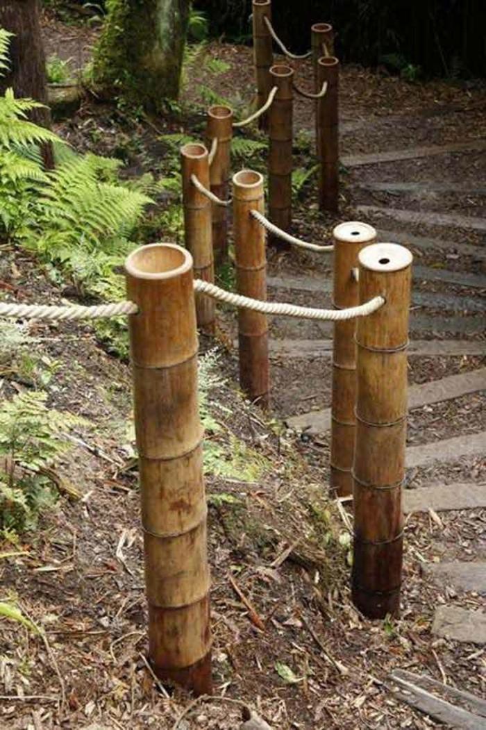 bambou-en-jardiniere-cloture-simple-sentier-secret-dans-la-foret