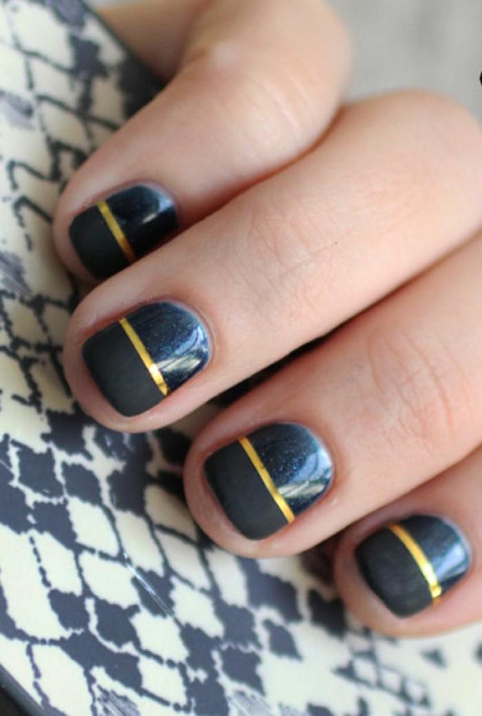 beaute-idee-nail-art-hiver-ongles-pour-noel-originale-idee-en-bleu