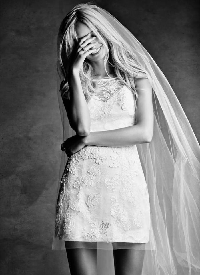 beaute-mariage-robe-de-mariee-courte-jolie-magnifique-robe-photo-noir-et-blanc