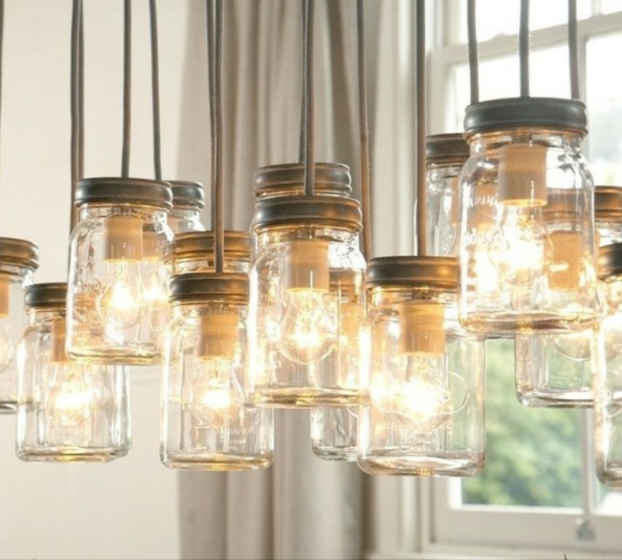 bel-exemple-de-lampes-dans-un-style-industriel-des-bocaux-transformes-en-bougeoirs-diy