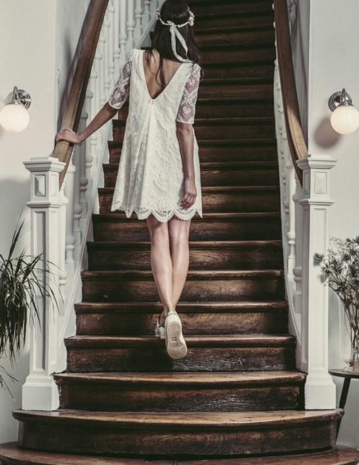 belle-photo-femme-robe-escaliers-robe-mariee-courte-robe-de-mariee-courte-chic