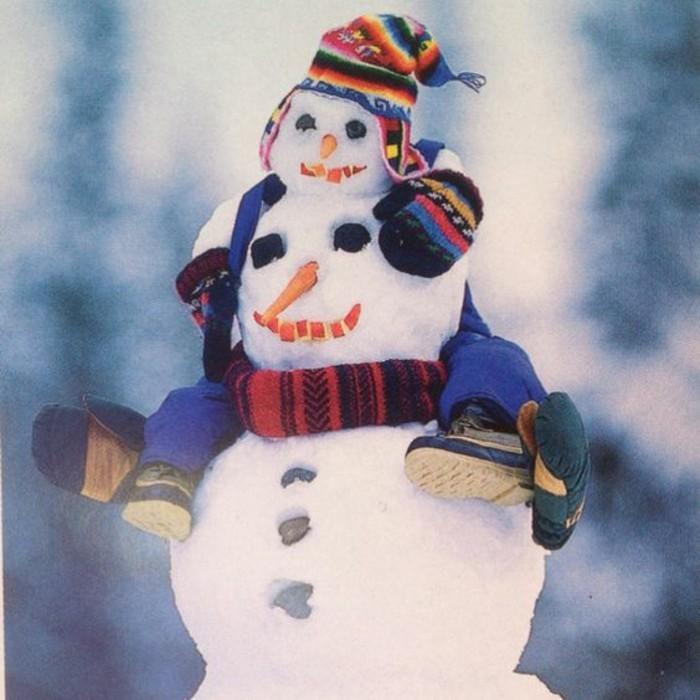 bonhomme-de-neige-a-fabriquer-cool-idee-activite-dehors-mignonne-idee