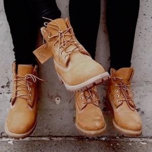 Chaussures TIMBERLAND – de forêt à ville, elle fait son boots de chemin