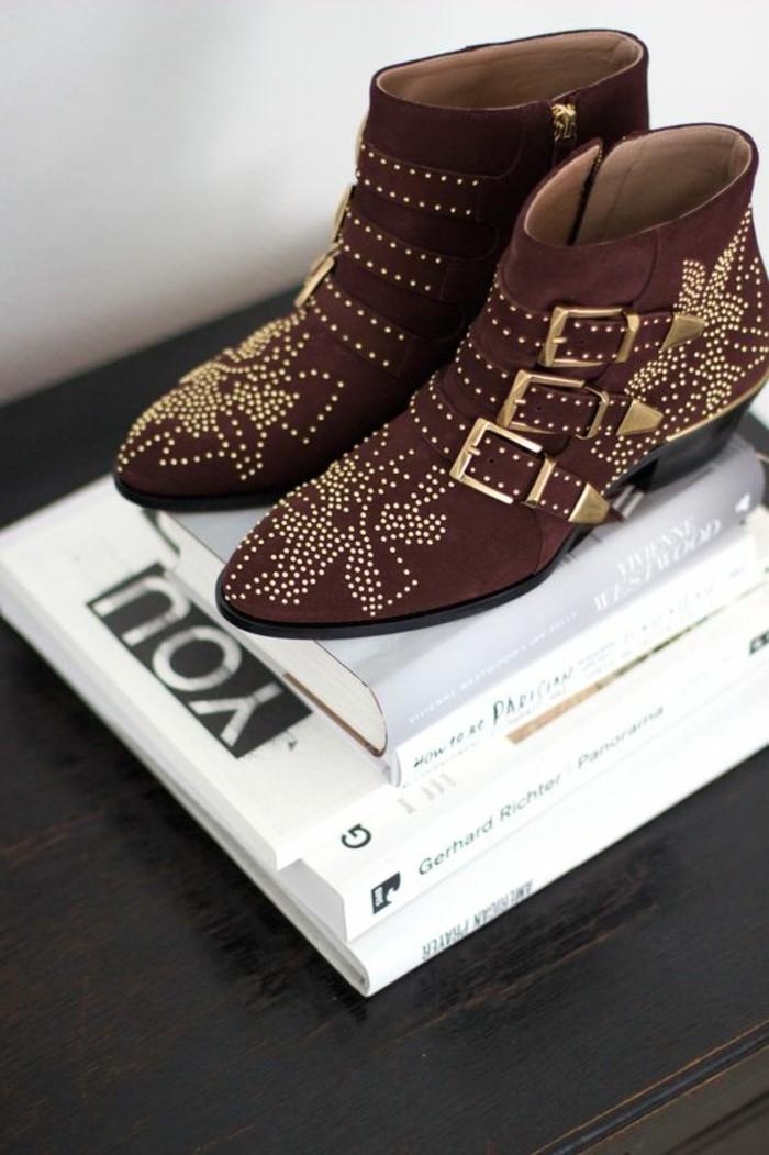 366029e3da5 Les bottines cloutées - la tendance chaussures qui a marqué l hiver ...