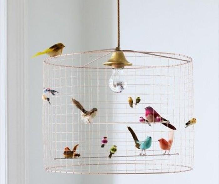cage-oiseau-transforme-un-luminaire-interessant-des-figurines-d-oiseaux-comme-decoration-pour-votre-abat-jour-diy