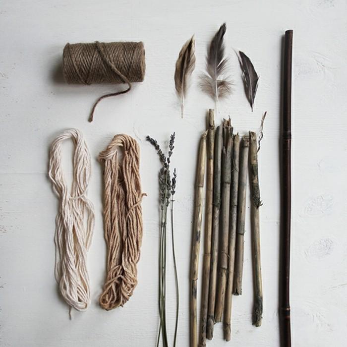 carillon-bambou-materiaux-necessaires-pour-la-construction-fils-branches-plumes
