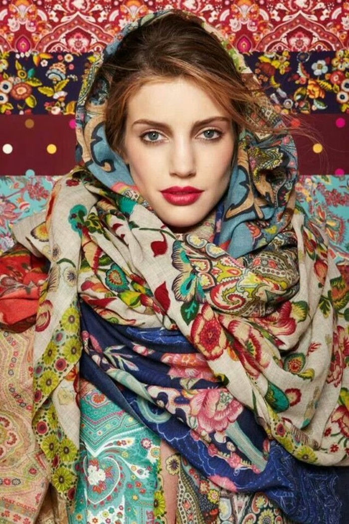 6b71ee8377d Le foulard russe - un accessoire intemporel au grand charme ...