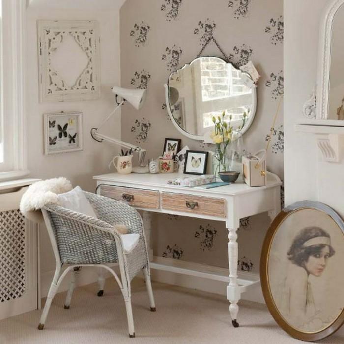chambre-shabby-chic-chaise-en-paille-coussin-blanc-tiroirs-en-bois