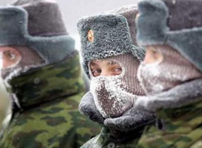 chapka-homme-bonnet-russe-toque-fourrure-armee-russie