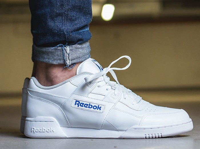 chaussures-reebok-workout-plus-blanc-bleu-cuir-leather-white-low-basses