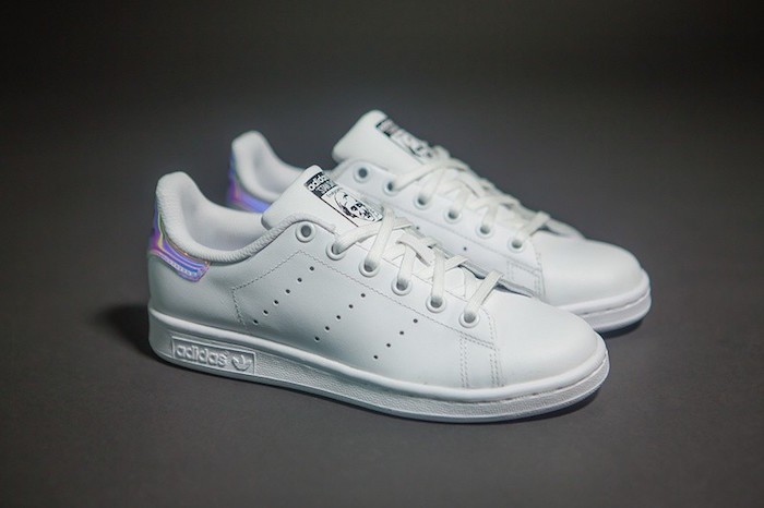 chaussures-stan-smith-femme-toute-blanche-cuir-hipster-fille-brillant