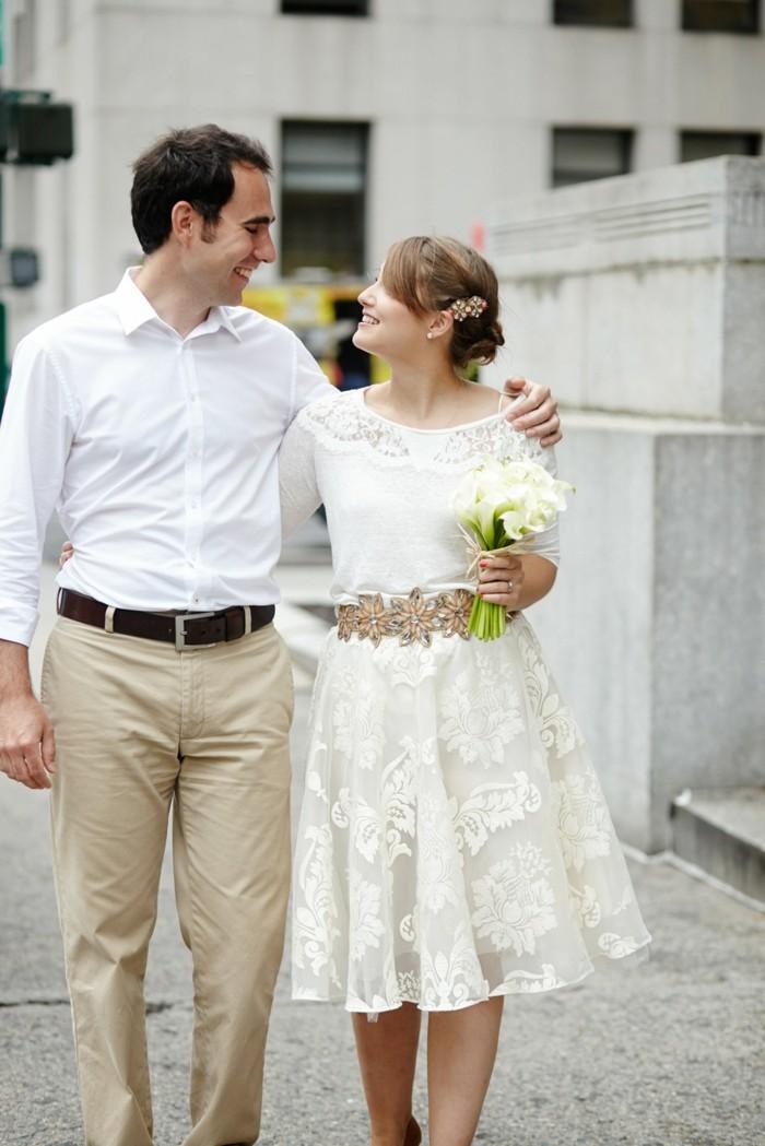 chic-robe-courte-de-mariee-robe-de-mariage-courte-mignonne-couple