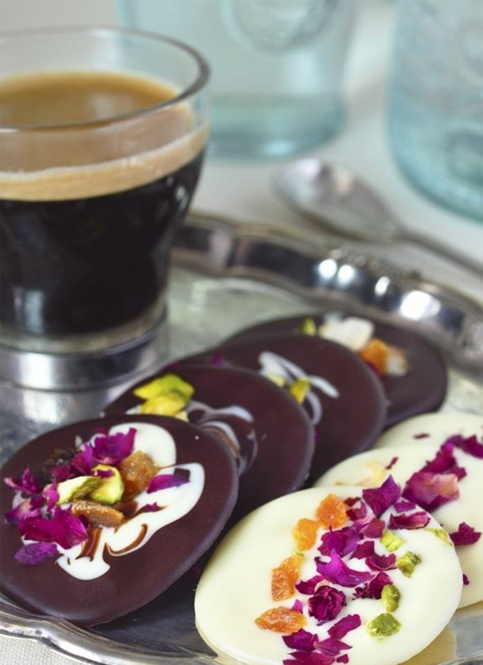 chocolat-mendiant-mendiants-chocolat-noir-et-blanc