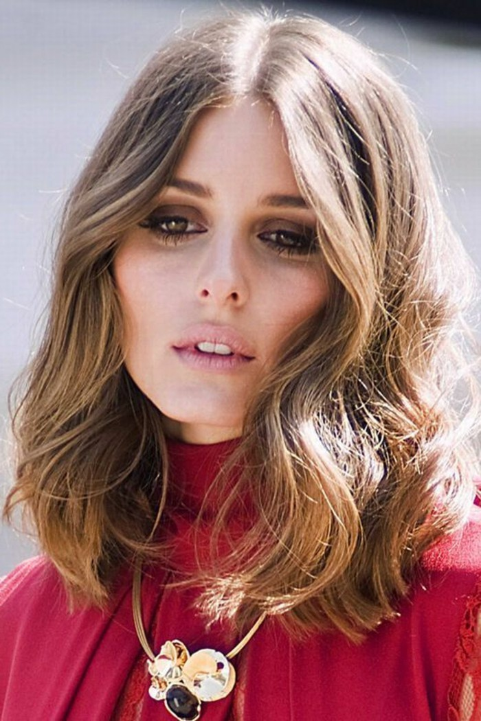 coiffure-carre-grandes-ondulations-olivia-palermo