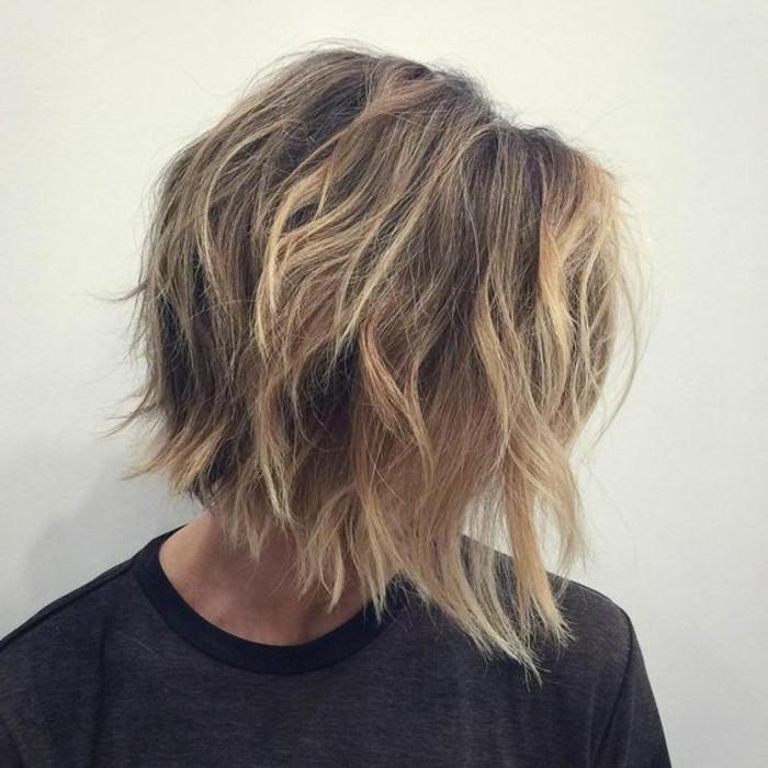 coiffure-coupe-carre-carre-flou-cheveux-blonds