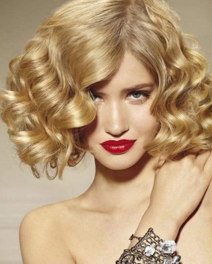 coiffure-glamour-et-vintage-friser-ses-cheveux-mi-longs