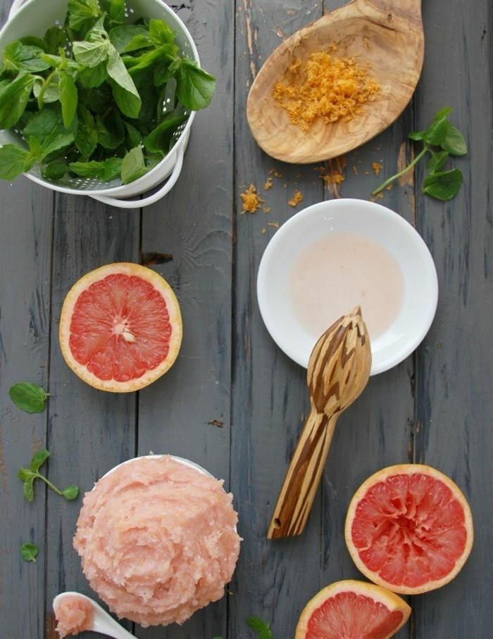 comment-faire-un-gommage-recette-facile-a-base-de-grappefruit