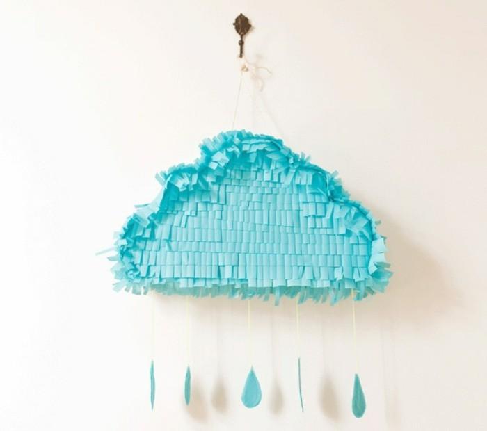 comment-faire-une-pinata-originale-pour-noel-nuages-realistiques-a-faire-soi-meme