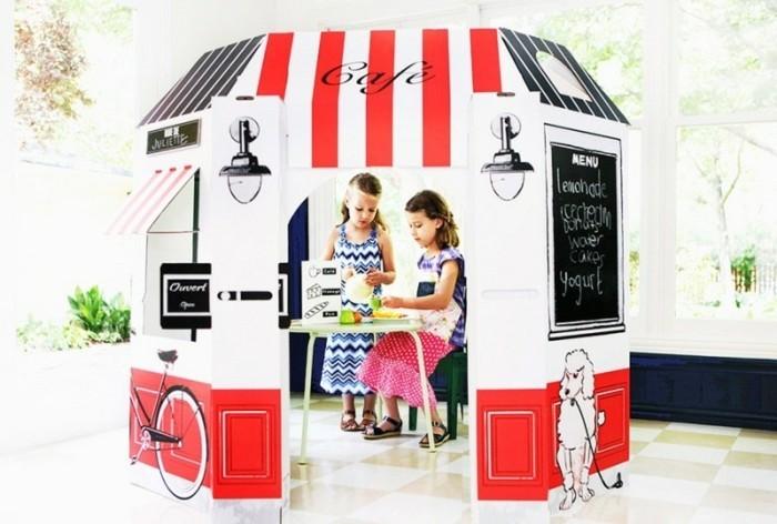 construire-une-cabane-idee-interessante-une-maisonnette-en-blanc-et-rouge-pour-vos-princesses