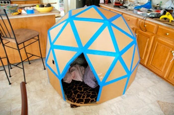 comment fabriquer une cabane en carton tuto et plusieurs. Black Bedroom Furniture Sets. Home Design Ideas
