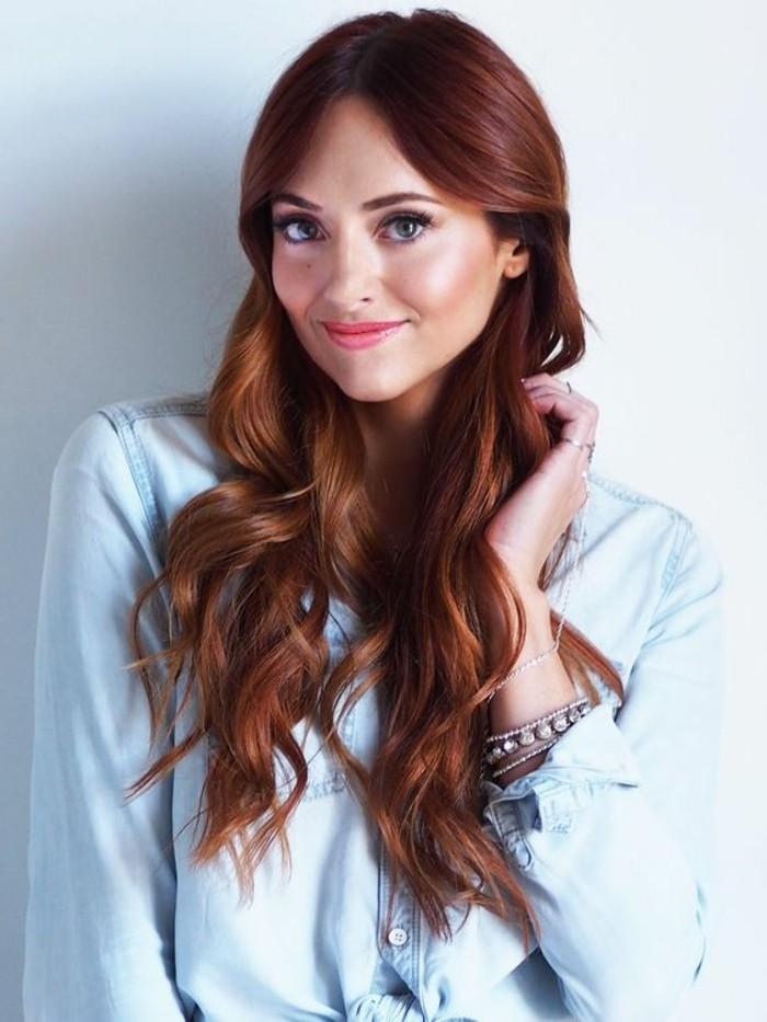 couleur acajou rouge longs cheveux colors boucls - Coloration Acajou Rouge