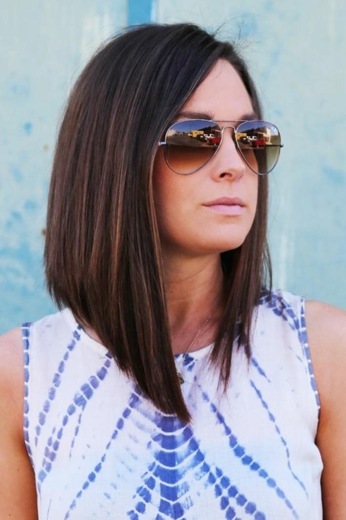 coupe-carre-plongeant-coiffure-cheveux-mi-longs