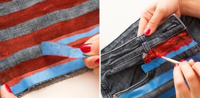 couper-un-jean-en-short-faire-des-lignes-en-bleu-et-rouge-pour-customiser-les-jeans