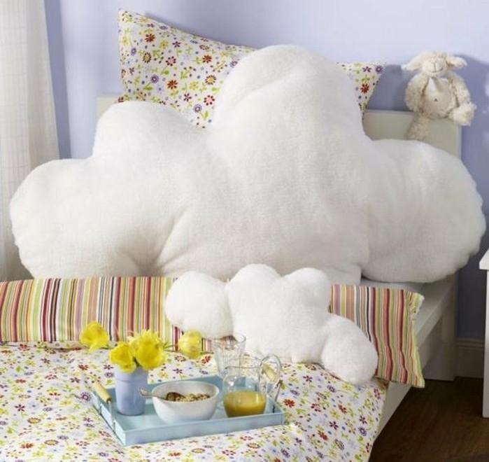 coussin-nuage-enorme-peluche-plein-de-coton-lit-denfant-livres-couvertures-en-motifs-floraux