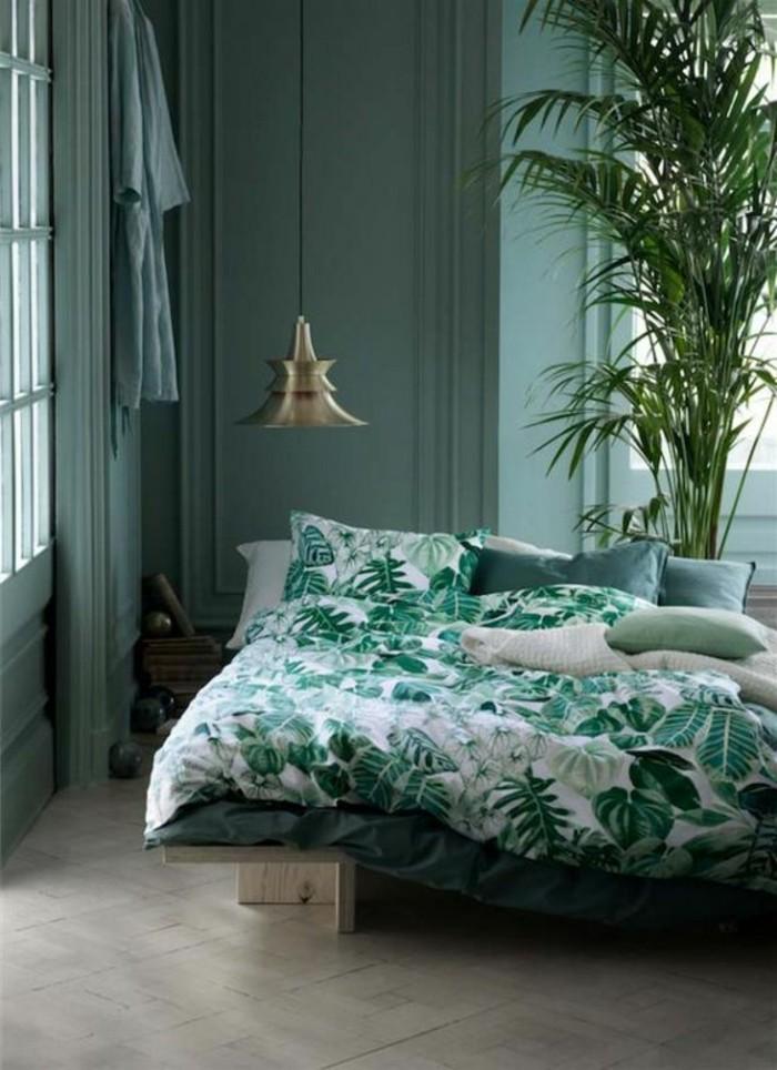 couverture-de-lit-blanc-vert-lit-palette-en-bois-clair-chambre-complete-ado-design-industriel
