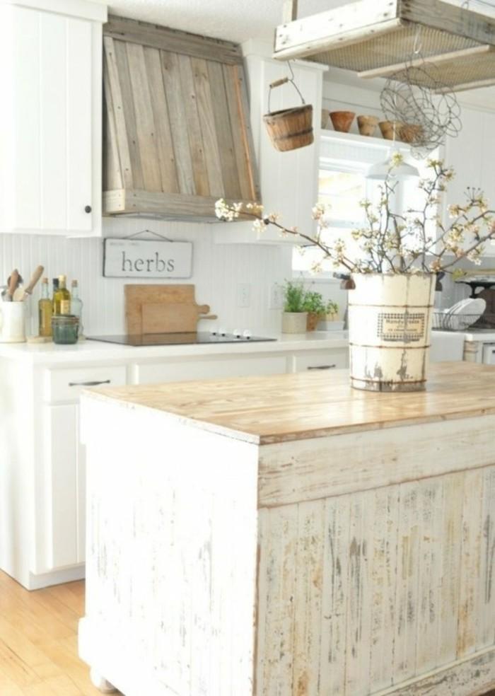 cuisine-shabby-chic-buffet-de-cuisine-en-bois-planche-a-decouper
