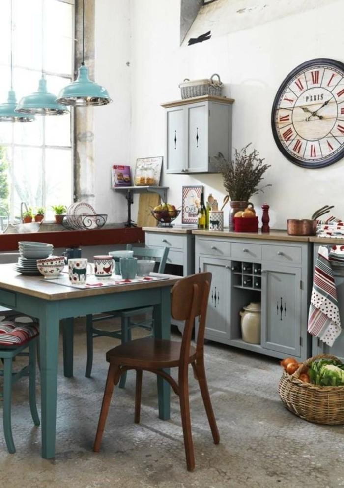 cuisine-shabby-chic-herbes-sechees-fruits-et-legumes-tasses-plats-meubles-en-bois