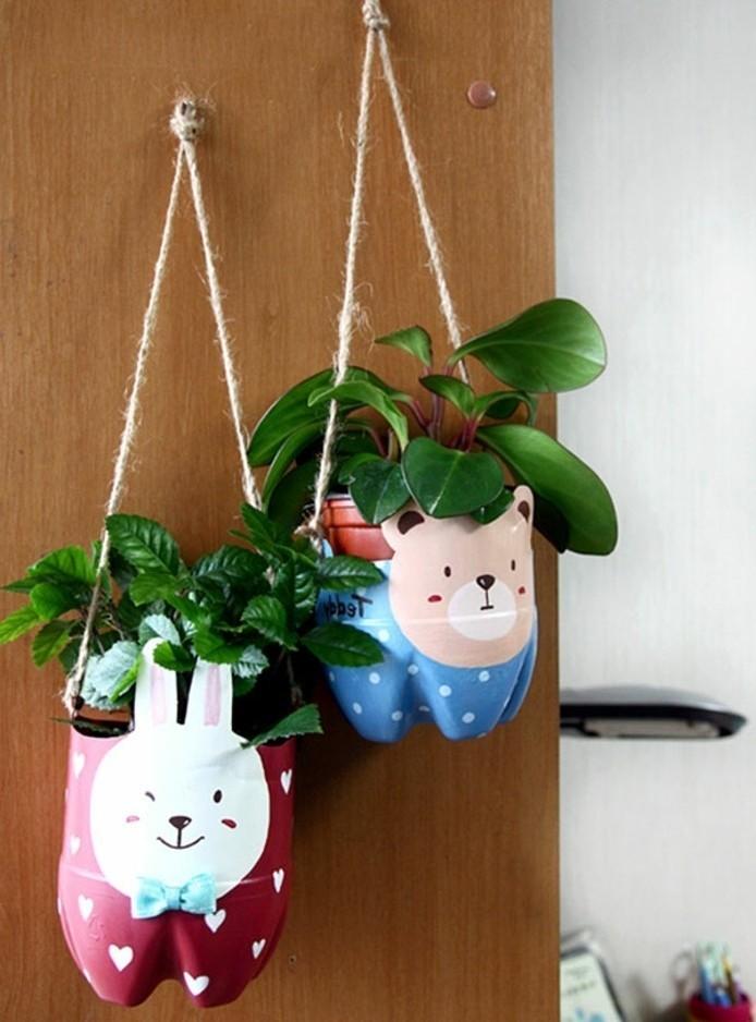 deco-recup-recyclage-bouteille-plastique-pour-fabriquer-des-pots-de-fleurs-en-plastique-decores