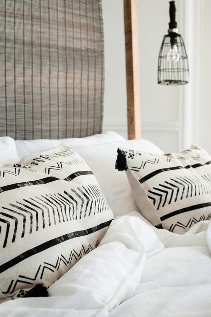 decoration-africaine-coussins-ethniques-lampe-lit-blanc