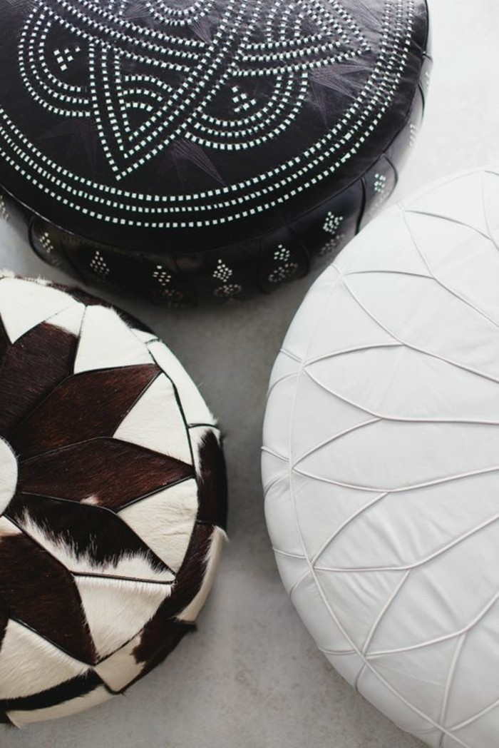 decoration-africaine-ornements-ethniques-poufs