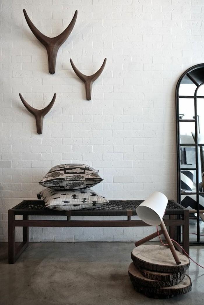 decoration-exotique-cornes-decoratifs-lampe-banc-de-bois