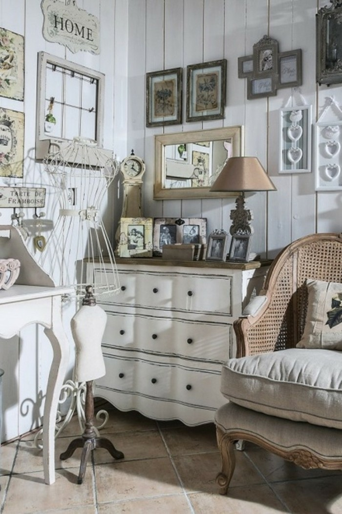 decoration-shabby-chic-cadres-photos-grand-fauteil-miroir