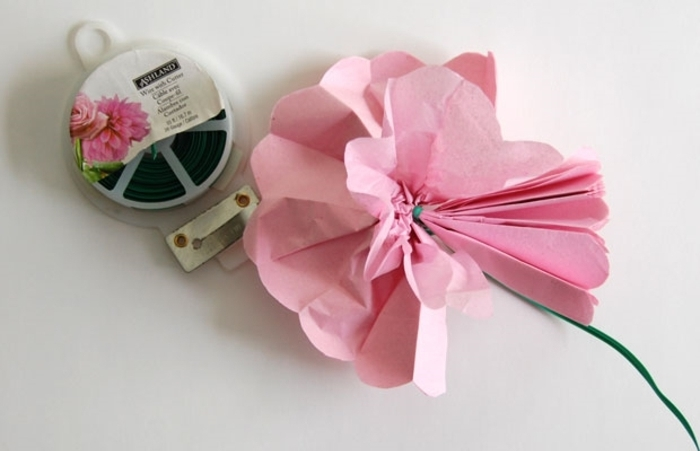 Fabriquer une fleur en papier de soie 67 id es diy remarquables - Plier une feuille en 3 ...