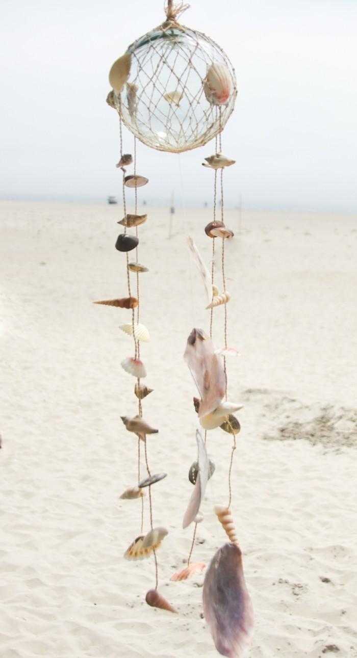 deco-coquillage-pendentif-pour-une-maison-dete-sable
