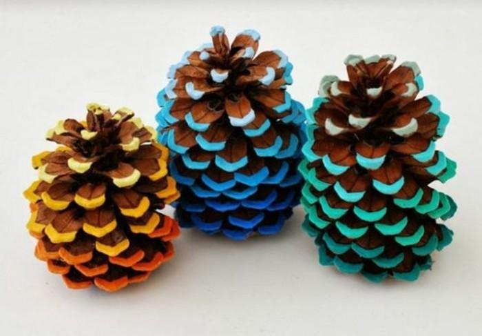 deco-de-noel-a-fabriquer-pommes-pins-colorees-decoratifs