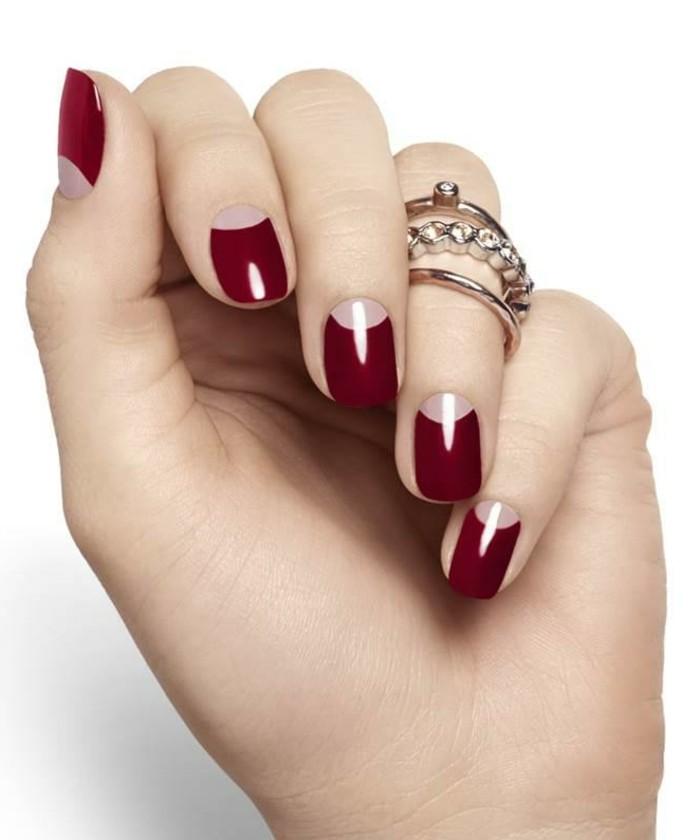 deco-ongles-base-rouge-et-transparent-anneaux