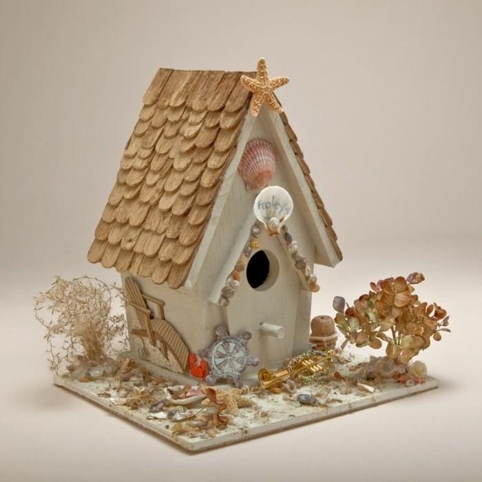 decoration-coquillage-mer-mini-maison-jardin-toit-d-tuiles