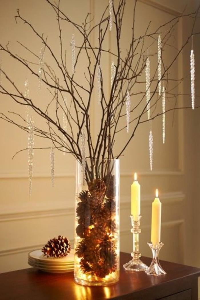 decoration-de-table-pour-noel-arbre-decoratif-vase-pommes-de-pin