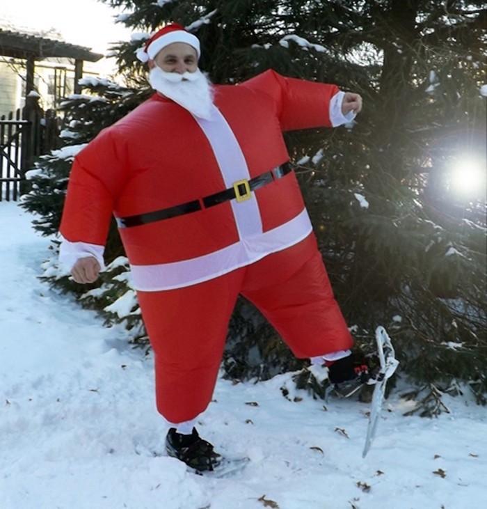 Costume p re no l le rouge et blanc sous toutes les coutures - Un santa claus especial ...