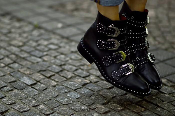 a8a6c566b0d7b Les bottines cloutées - la tendance chaussures qui a marqué l hiver ...