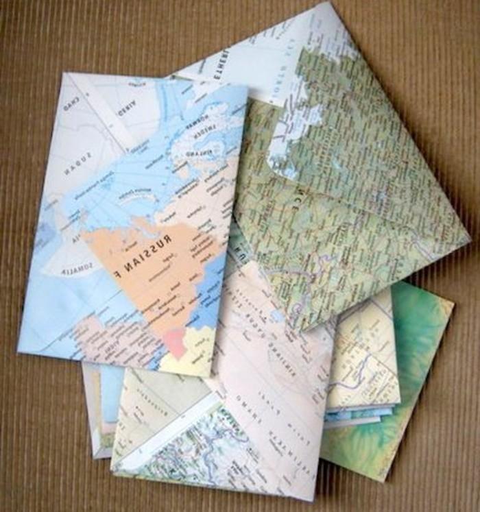 des-enveloppes-faites-de-papier-de-vieilles-cartes-geographique-fabriquer-une-enveloppe-soi-meme