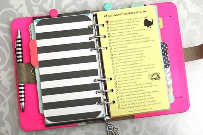 des-intercalaires-pour-inserer-des-notes-importantes-dans-son-planner-agenda-scolaire-personnalise