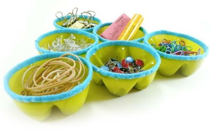 des-rangements-pour-fournitures-de-bureau-recyclage-bouteille-plastique-pratique