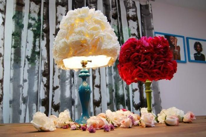 diy-abat-jour-fait-de-fleurs-differentes-pour-une-ambiance-romantique-dans-la-chambre