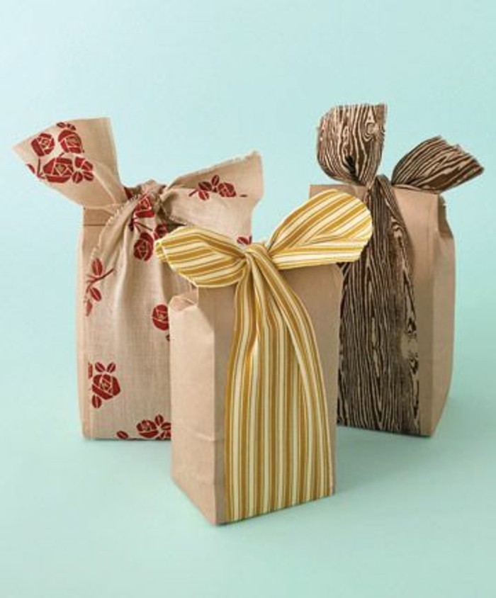 diy-idee-emballage-cadeau-petit-sachet-kraft-decore-avec-rubans