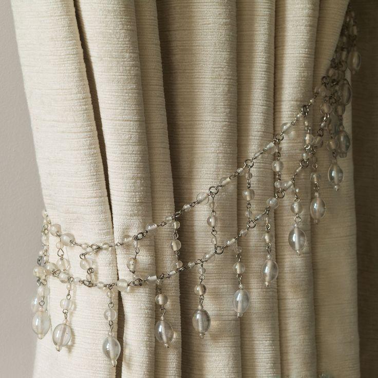 embrasse-de-rideaux-en-forme-de-gouttelettes-transparentes
